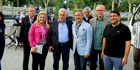 Yunan turizmciler iftarda ağırlandı