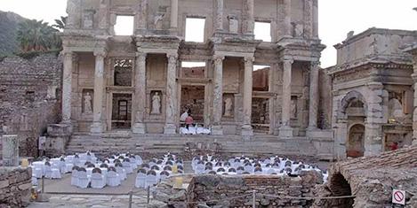 Efes antik kentinde davet tarifesi