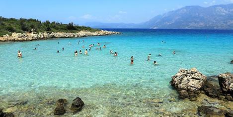 Kleopatra Adası'nda havlu, terlik yasak