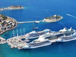 Kruvaziyer turizminin lideri 145 gemi ile Kuşadası