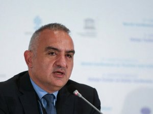Kültür ve Turizm Bakanı Ersoy'dan otel sahiplerine uyarı