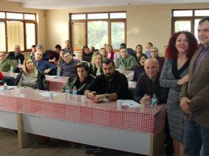 İtalyan uzmandan Edremit'te zeytinyağı eğitimi