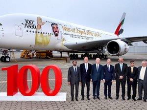 Emirates'in 100. A380 uçağı filoya katıldı