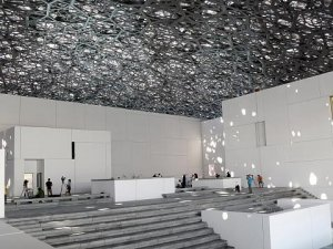 Abu Dabi'nin 'Louvre'u kapılarını açıyor