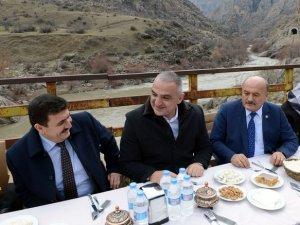 Kültür ve Turizm Bakanı Ersoy'un trenle yolculuğu