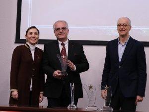 Tekstil ve hazır giyimin ihracat şampiyonları Bursa'da ödüllendirildi