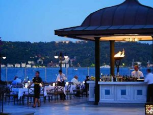 İstanbulFour Seasonsotelinde sandalyeye oturmak 30 TL!