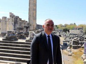 Bakan Ersoy: Hedefimiz turizmi 12 aya yaymak