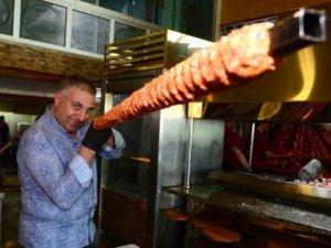 Adana'nın metrelik boru kebabı ilgi görüyor