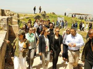 'Her Şehri Ünlüsüyle Geziyoruz' Diyarbakır turuyla devam etti