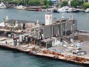 Galatasaray Adası, Boğaz'ınortasındaki enkaz oldu