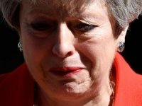 İngiltere Başbakanı May istifa edeceğini açıkladı