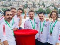 İstanbul'un 5 yıldızlı aşçıları teknede iftarda buluştu