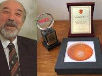 İletişimin 62 yıllık çınarı Ergüder Tırnova'ya 4 ödül