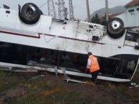 Nevşehir'de tur midibüsü ile otomobilçarpıştı: 27 turist yaralandı