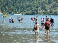 Dünyaca ünlü Kızkumu'na turistler akın ediyor