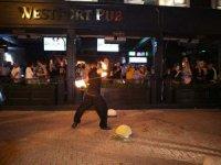 WestPort Pub, ateş dansı şovu ile kapılarını misafirlerine açtı!