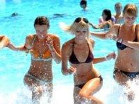 Türkiye'ye 5 ayda gelen 12,7 milyon turistteilk sırada Ruslar var