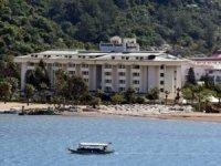 Katar Şeyhi Al Thani'nin oteli kaderine terk edildi