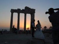 Gelin ve damatların 2.200 yıllık Apollon Tapınağı uğuru