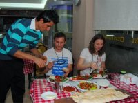 Rus turistler en çok Adana kebabını seviyor