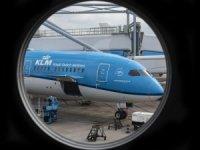 KLM'den uçak koltuklarında ölüm tweeti için özür
