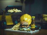 Ünlü otel markasıThe House Hotel burgerci oldu