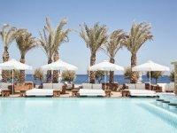 Nikki Beach Resort & Spa Santorini'de kapılarını açtı