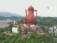 Çin'de yapılan devası çaydanlık ziyarete sunuldu