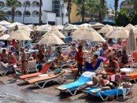 Okullar açıldı, sahiller yabancılara kaldı