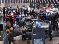 Dünyanın en büyük otomobil fuarı açıldı