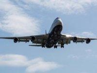 Havayolu şirketleri binlerce uçuşu iptal etti