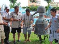130 yıllık gül suyu çıkarma imbiğini turizme kazandırdı