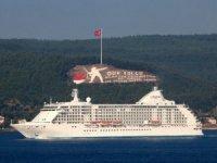 Dev kruvaziyer gemisi,Çanakkale Boğazı'ndan geçti