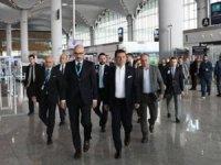 Ekrem İmamoğlu'ndan İstanbul Havalimanı'na ziyaret