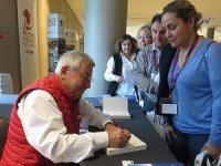 """Bentour'un başkanı Kadir Uğur 'Seyahat Benim Hayatım"""" kitabını imzaladı"""
