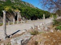 Turistler 2020'de Türkiye'nin tarih ve kültürüne geliyor