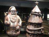 Kahve Dünyası Fabrika Veliefendi'da çikolatadan heykelle