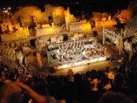 Side Antik Tiyatro'da gladyatör dövüşleri kültüre hizmet ediyor