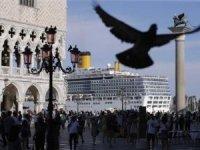 Venedik'te dev gemilere çevre kirliliği yasağı kararı