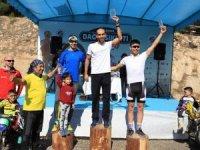 Dağ Bisikleti Yarışı'nda dereceye girenler ödüllendirildi