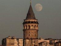 Galata Kulesi'ne ihtiyati tedbir konuldu