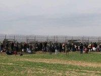 OTSAD, mültecileri VİP araçlarla ile sınıra taşıyor