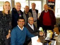 Gazeteciler Tufan Türenç ve Doğan Satmış kitaplarını imzaladılar