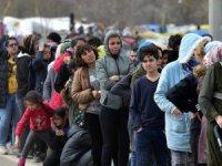 Edirne Valiliği Yunanistan'a geçen göçmen 147 bin 132'ye yükseldi