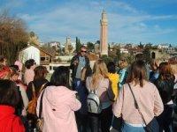 Turizmciler: Camilerin kapatılmasında çok geç kalındı