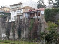 Roma döneminden kalan tarihi kale tehdit altında