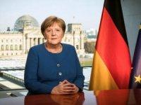 Almanya BaşbakanıMerkel'den dramatik çağrı