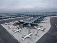 Havayolu şirketleri uçaklarını birer birer yere indirdi
