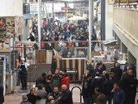Nakliyeciler Sitesi'nde koronavirüse rağmenkorkutan kalabalık